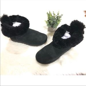 UGG Bailey Bow Boots Size 8